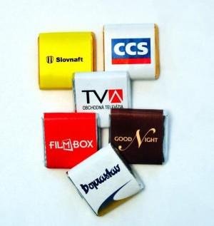 Exklusive Schokolade in der AL-Verpackung mit Aufdruck der Verpackung