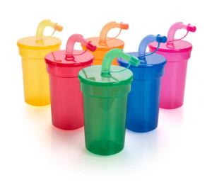 Fraguen verschließbaren Plastikbecher