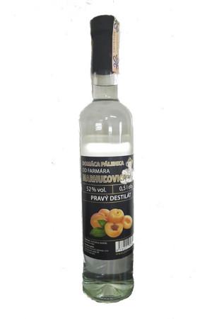 Selbstgemachter Brandy vom Bauern - Aprikose