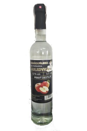Hausgemachter Brandy vom Landwirt Jablkovica